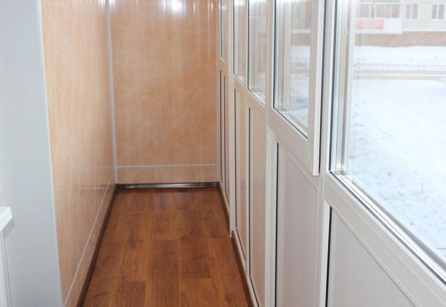 Тёплая лоджия ПВХ, остекление от пола до потолка, двухкамерный стеклопакет, отделка пластиковыми панелями